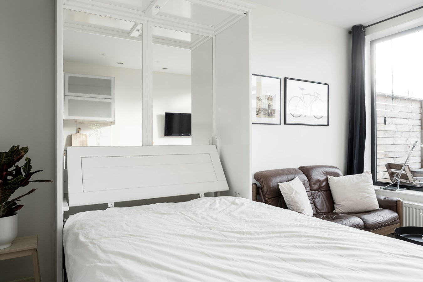 Светлый интерьер шведской квартиры-студии 24 кв.