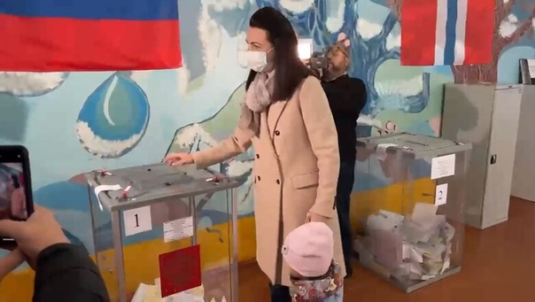 Мэр Омска Фадина проголосовала навыборахhttps://g...