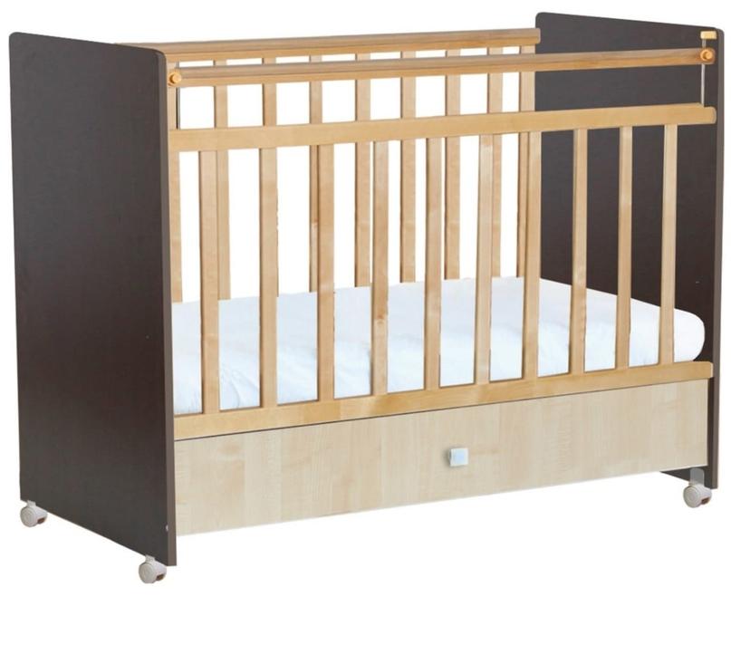 Продается детская кроватка Фея-700, цвет венге/клён вместе с ортопедическим матр...