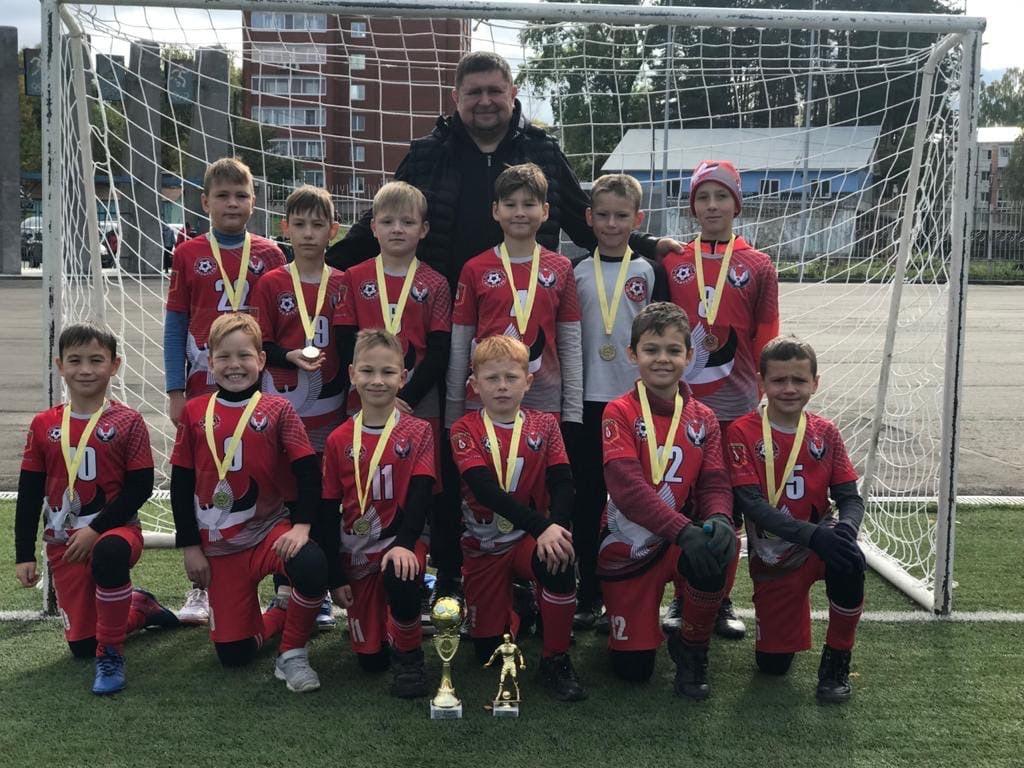 Отличный результат показали Можгинские футболисты из девятой школы на турнире в городе Чайковский.