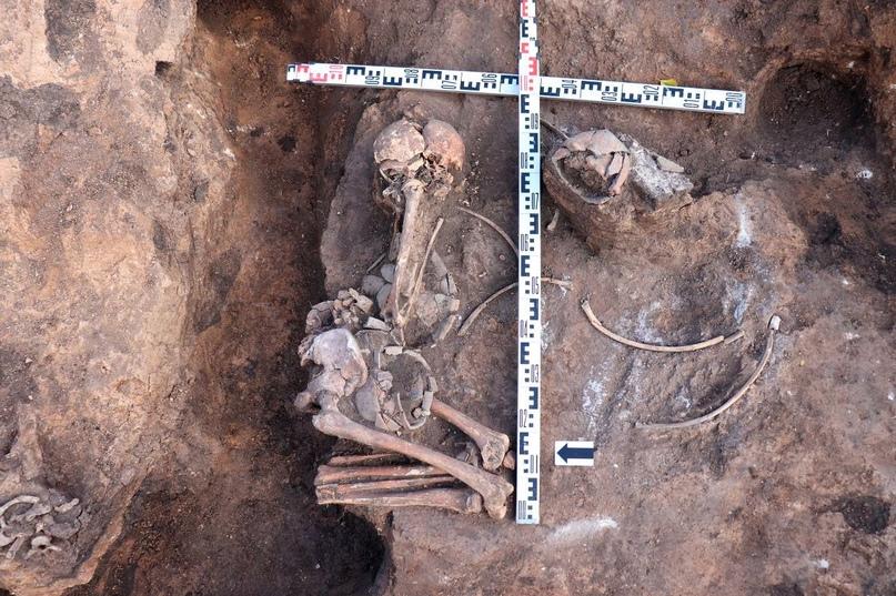 Погребение № 3. Курган у села Плёсс
