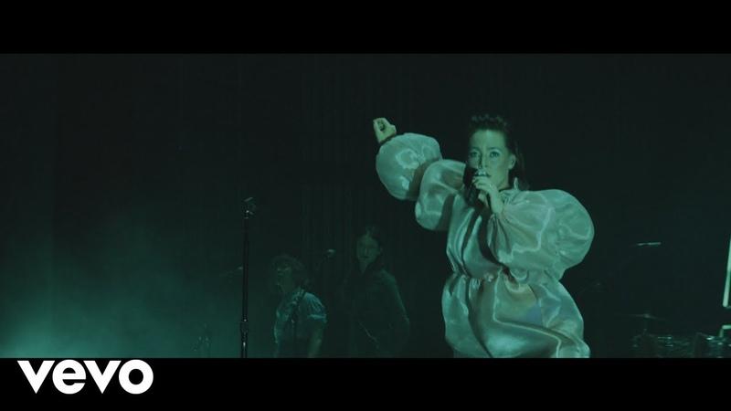 Sylvan Esso - Dress - Live