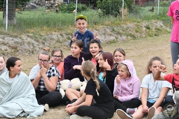 Как живет польское село Мейсце-Оджанськое, в котором рождаются только девочки.