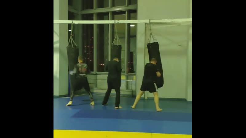 Работа с боксерским мешком