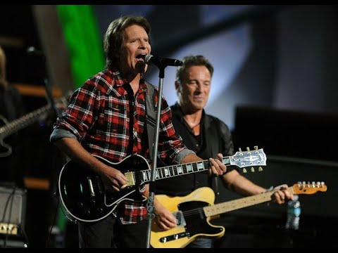 "Bruce Springsteen John Fogerty (CCR) Play Roy Orbison's ""Pretty Woman"" at Madison Square Garden"