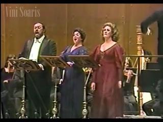 Joan, Pavarotti & Marilyn in Concert (NY, 1981)