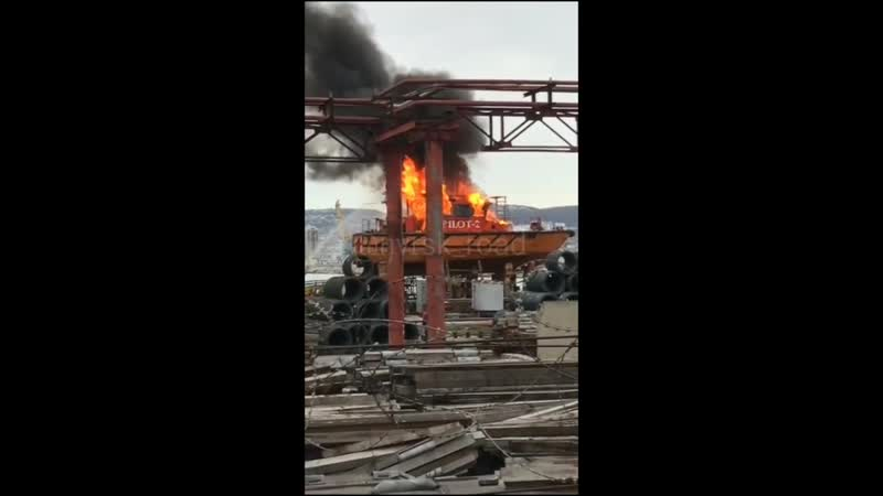 Пожар на лоцманском катере в Новороссийске