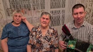 """""""Как в деревне нас мама встречает"""""""