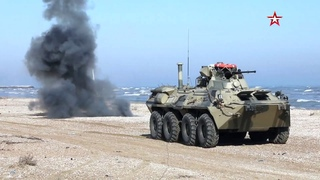 Морпехи Каспийской флотилии захватили побережье «противника»